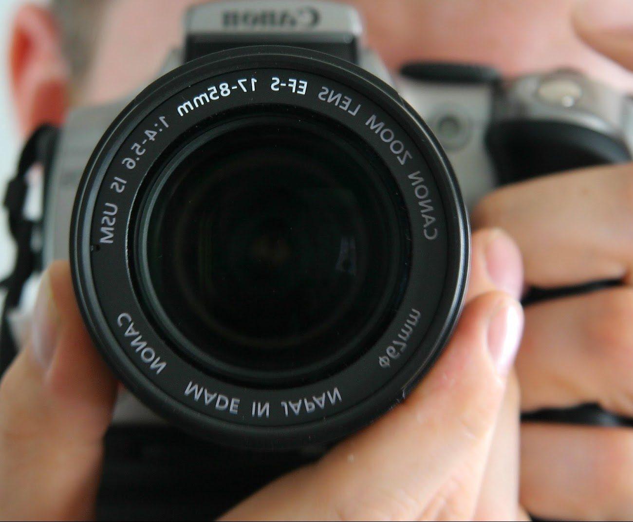 a-single-photo-header
